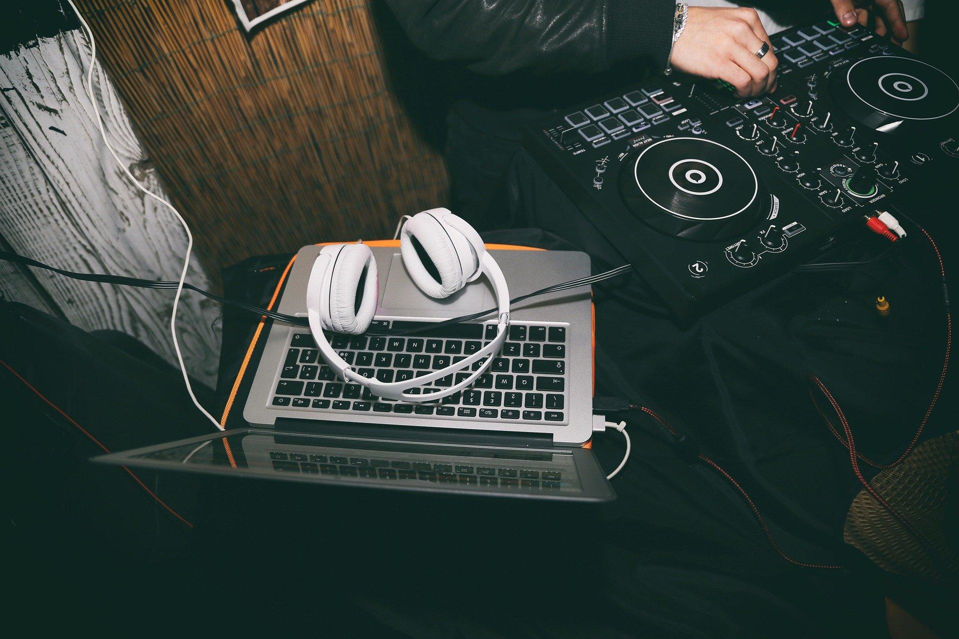 Du bist DJ? Dann bewirb Dich bei uns!